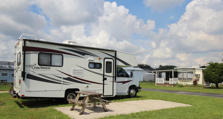 Beautiful Coloma RV Rentals  33ft Starcraft Travel Trailer For Rent  Michigan